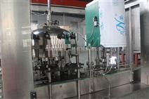 供應12-1易拉罐灌裝封蓋二合一機